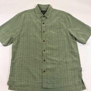 Men's woolrich Button Down shirt size medium